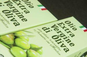 Food packaging design: scatole per bottiglie di olio d'oliva