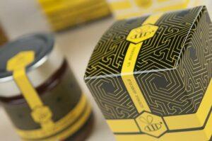 Nature inspired design: honey pot packaging