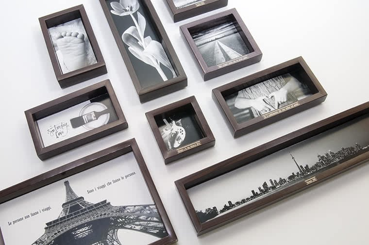 Non solo scatole cornici personalizzate per foto packly for Cornici nere per foto