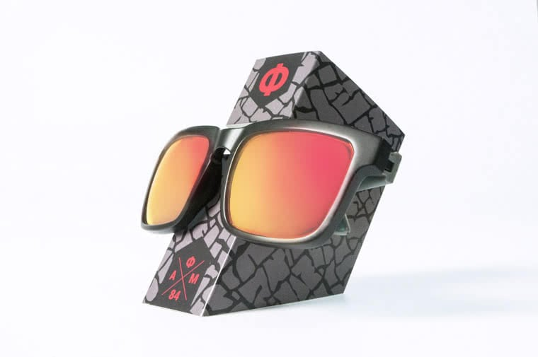 custom-paperboard-sunglasses-holder