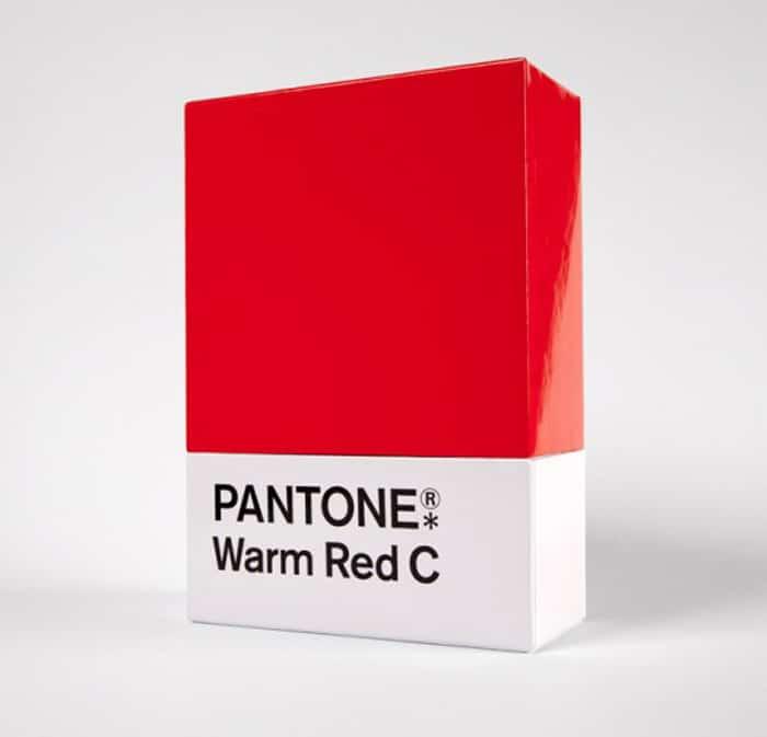 packaging-vino-pantone-rosso-natale