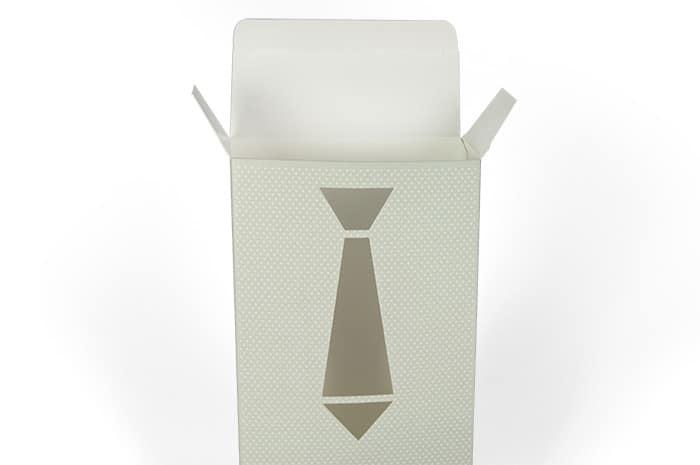 packaging-cravatta-intagliata