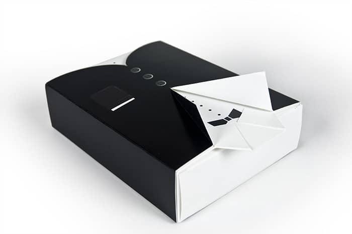 scatola-con-giacca-e-papillon