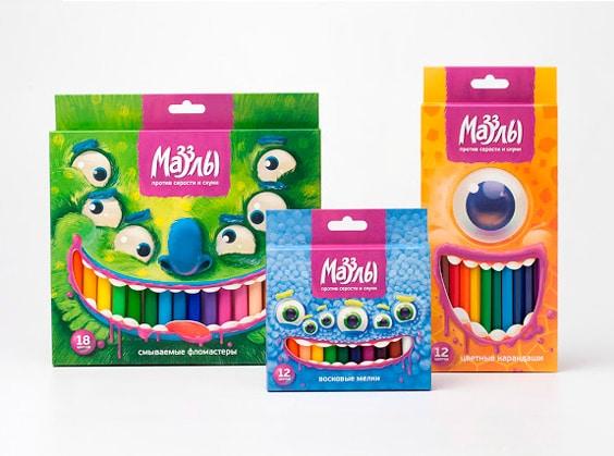 Scatole in cartoncino con finestra per pennarelli e matite colorate