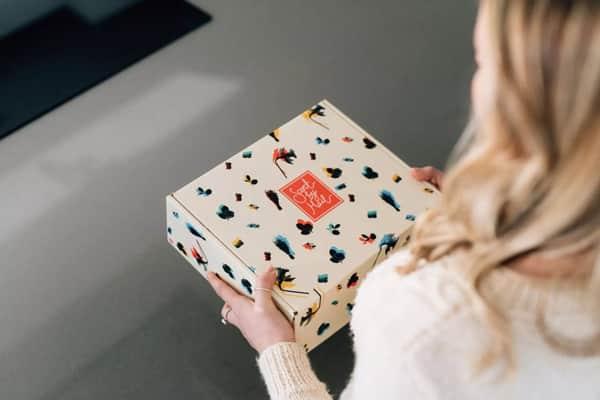 Interessante scatola a valigetta per l'e-Commerce