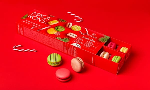 Pull out box for Christmassy macarons