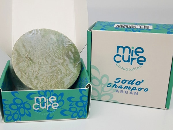 Rollover hinged lid box for solid shampoo